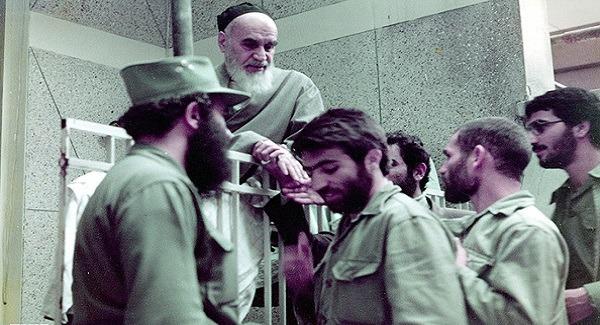 نقش امام خمینی(ره) در دفاع مقدس